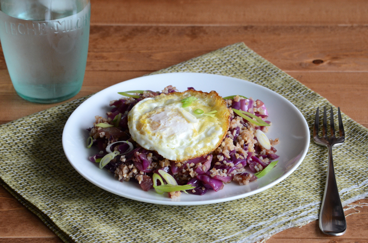 Fried Rice-Style Red Cabbage & Bulgur Wheat {With Fried Egg}