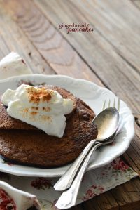 Healthy Gingerbread Pancakes For One