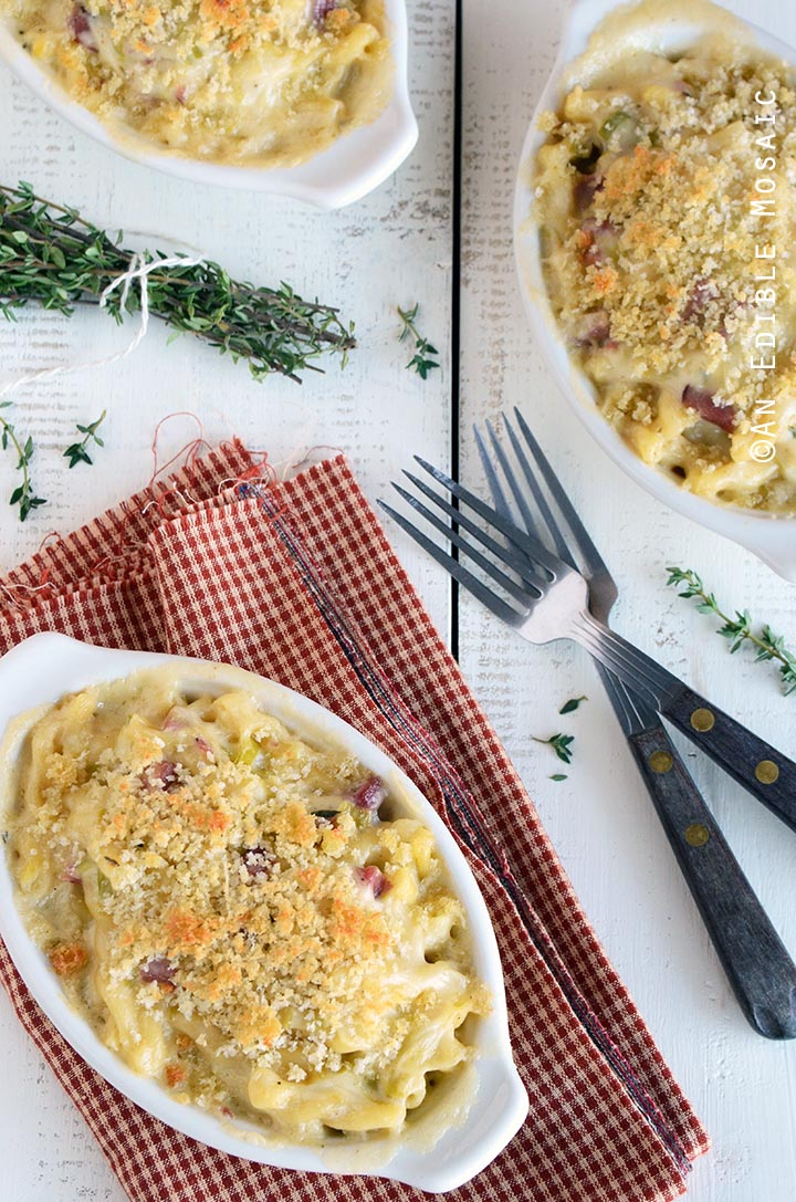 smoky-white-cheddar-mac-and-cheese-with-leeks-1