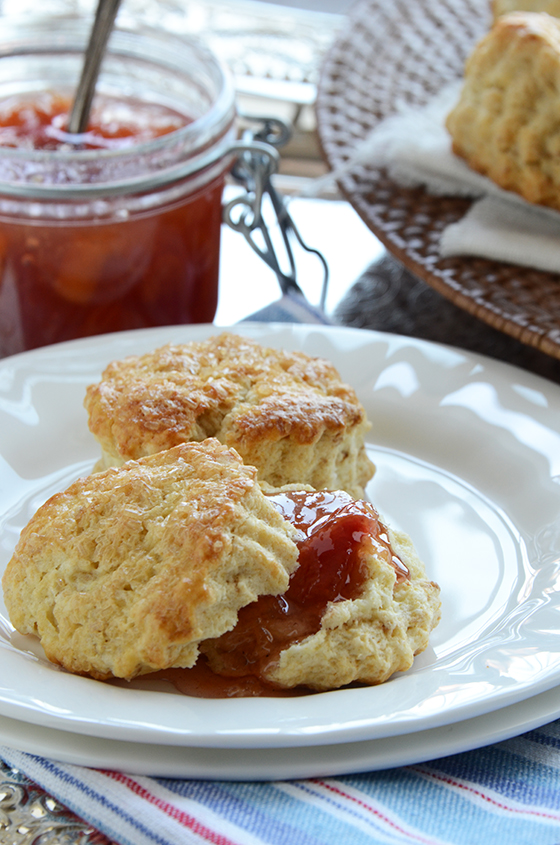 Classic Cream Scones & Peach Cobbler Jam