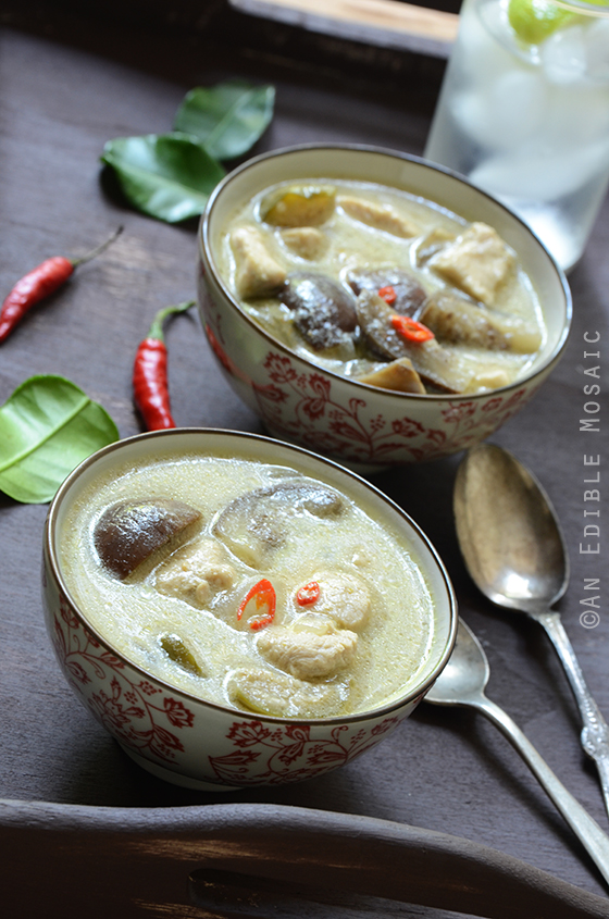 Thai Green Curry with Chicken (Kaeng Kiew Waan Kai) 2