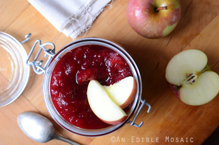 Vanilla-Spiced Cranberry-Apple Sauce 3