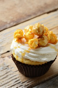 Cheddar-Caramel Chicago Mix Cupcakes