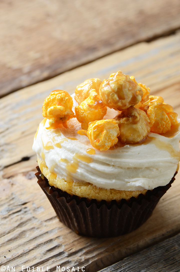 Cheddar-Caramel Chicago Mix Cupcakes 1