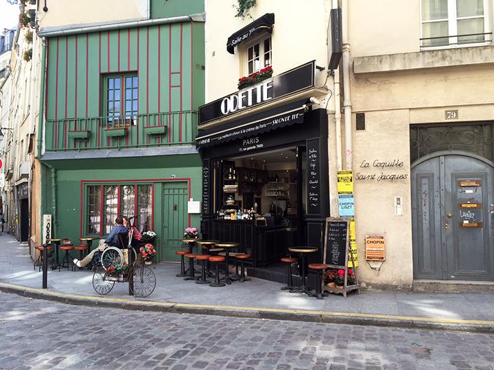 Cute Cafe in Paris