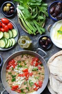 Foul Mudammas Spread with Fresh Vegetables