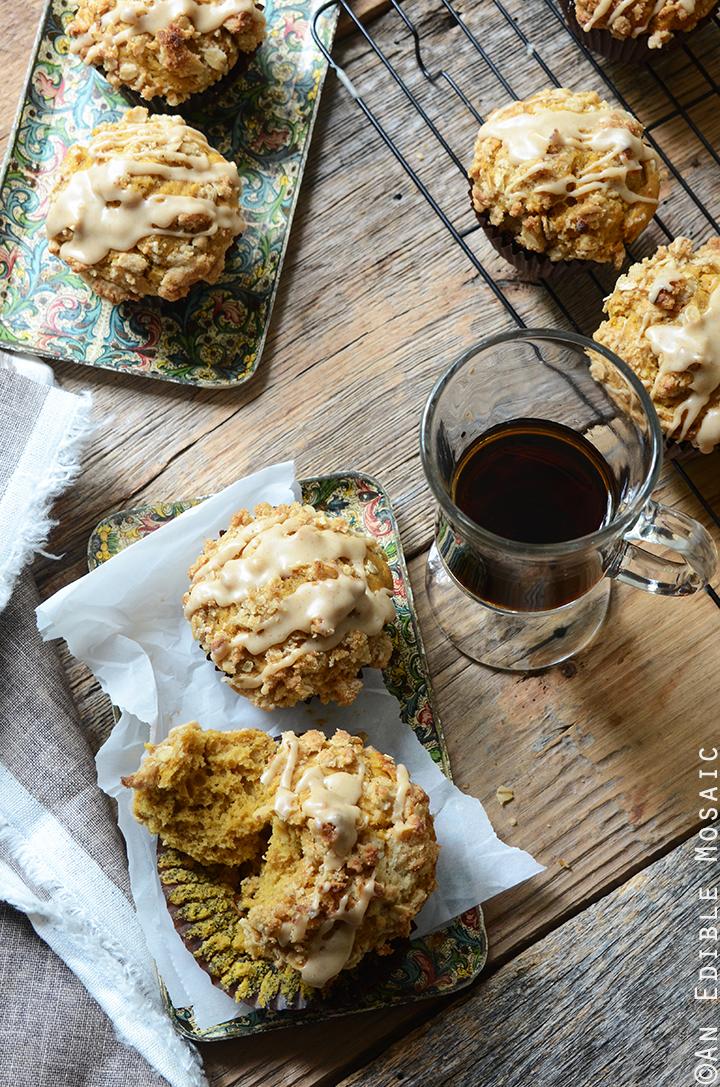 Streusel-Topped Pumpkin Spice Peanut Butter Muffins