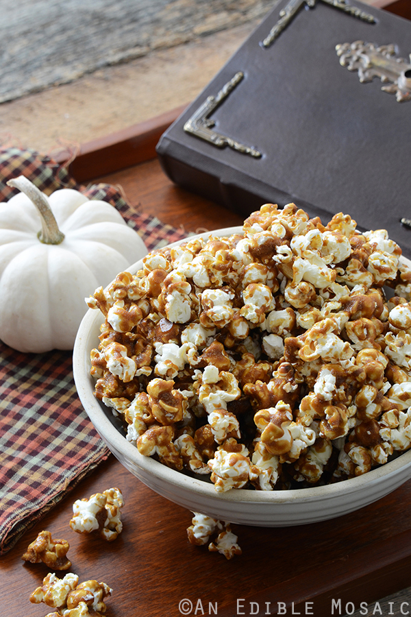 Butterbeer Popcorn {Inspired by Harry Potter} from An Edible Mosaic