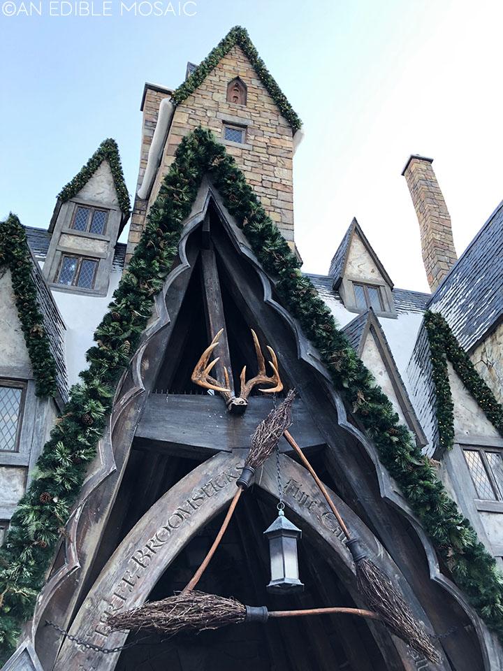 the three broomsticks at harry potter world universal studios