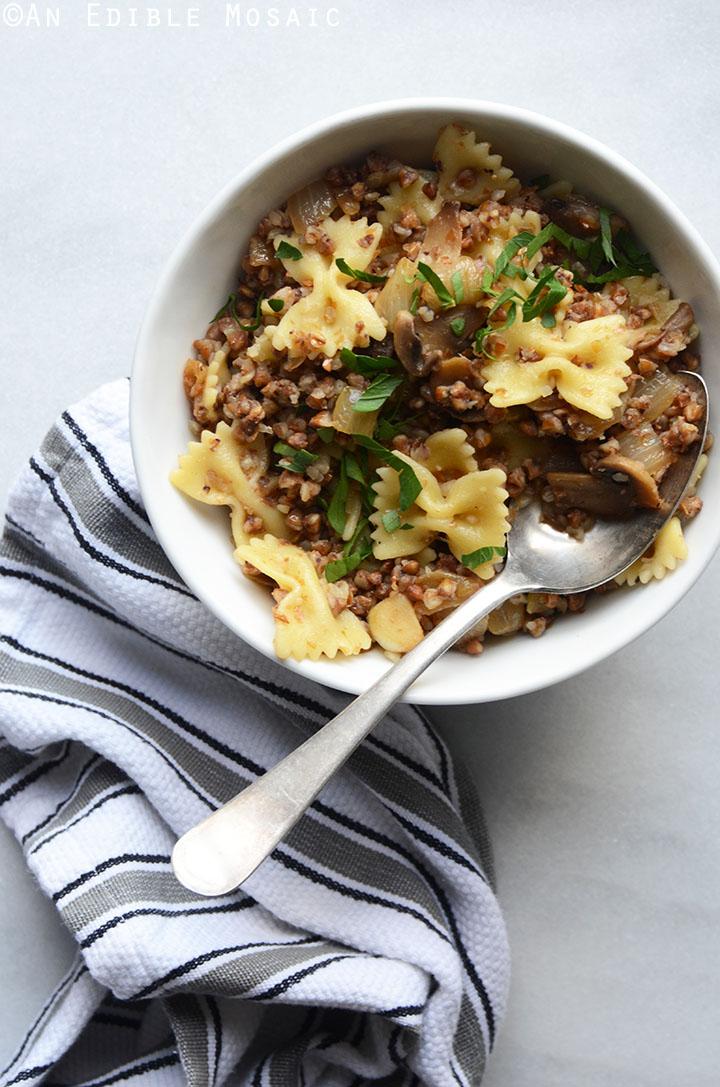 Kasha Varnishkes (Buckwheat Groats with Bowtie Pasta) 1