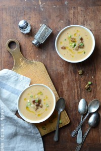 Beer and Cheese Cauliflower Soup