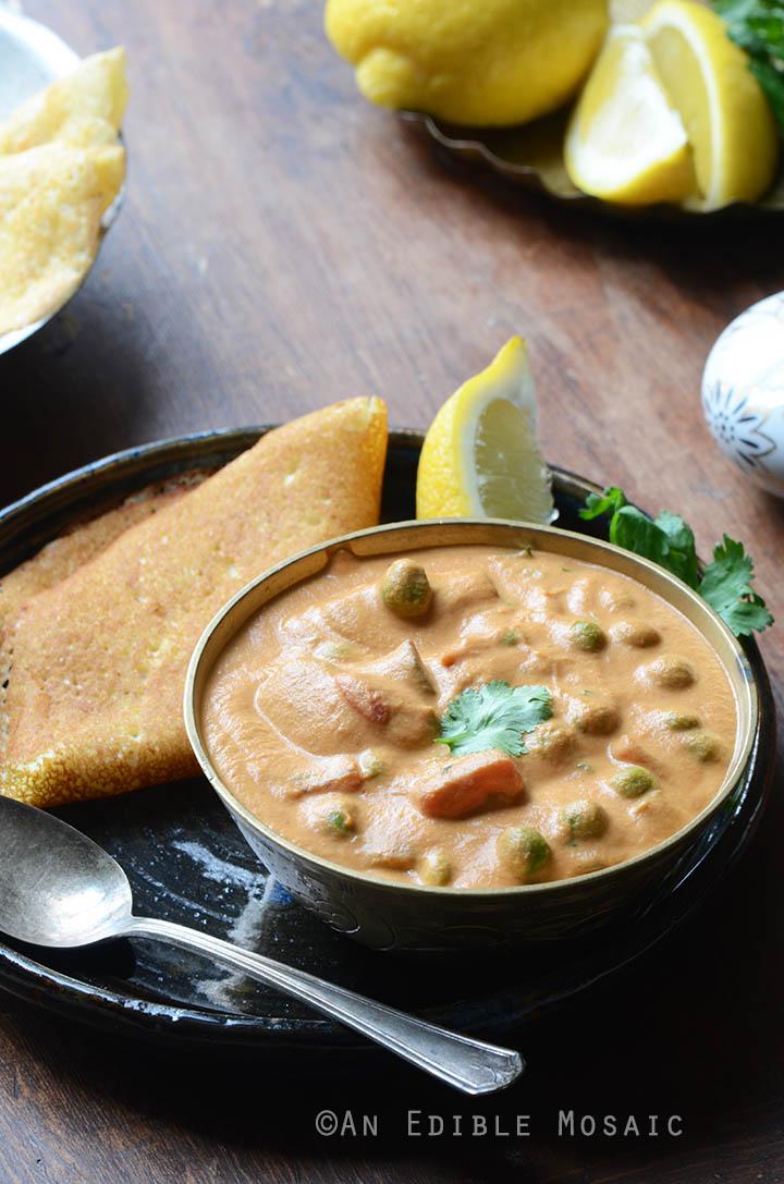 Creamy Cashew Mushroom and Green Pea Masala {Vegan} 4