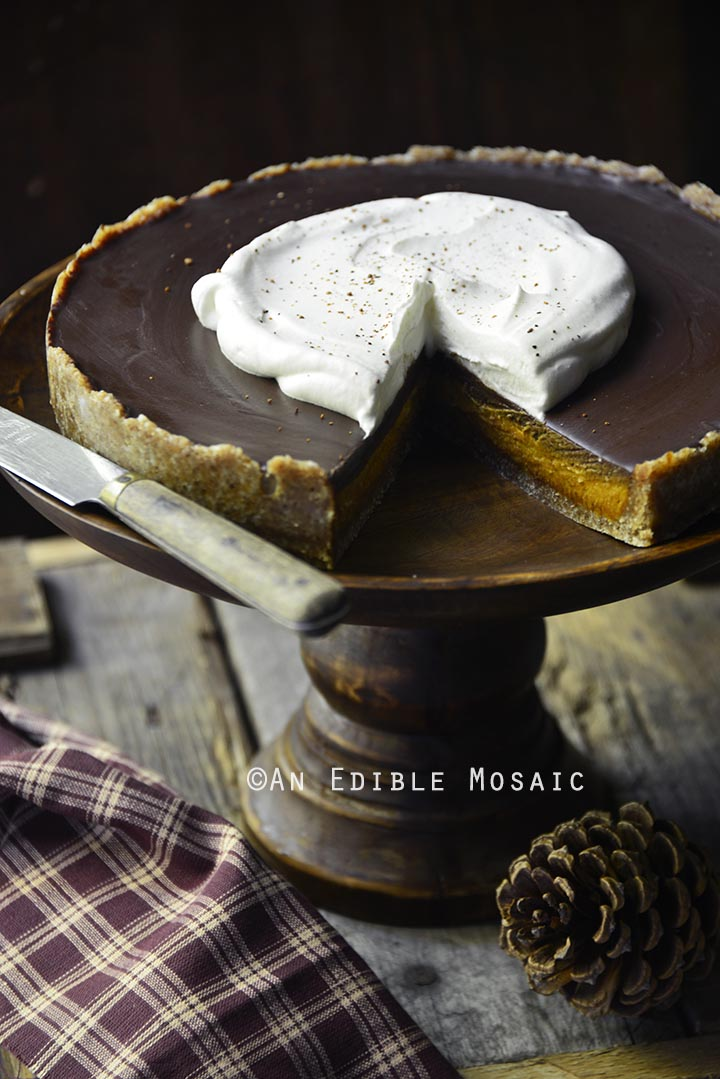 no-bake-vegan-spiced-pumpkin-tart-with-chocolate-ganache-paleo-1