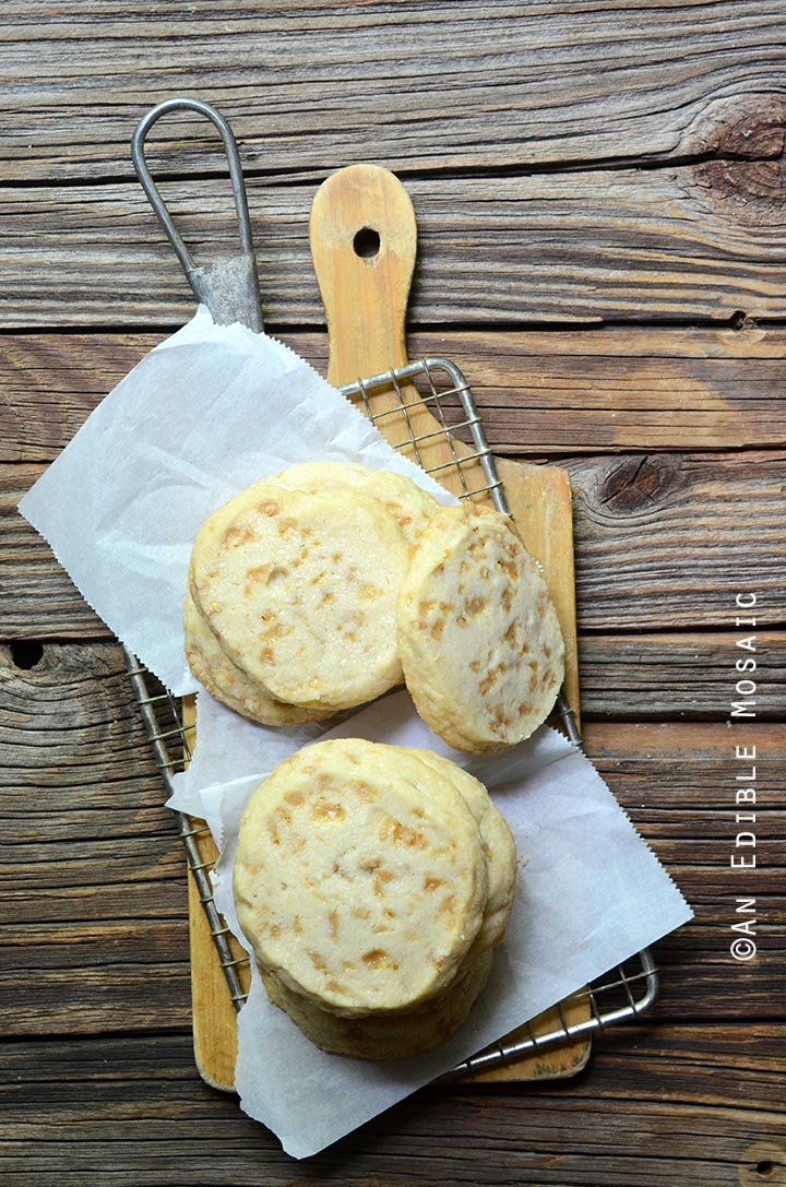 slice-and-bake-butter-toffee-shortbread-cookies-2