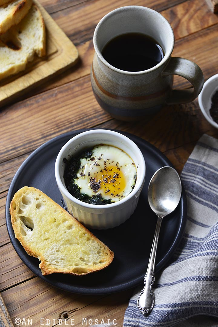 sumac-spiced-baked-eggs-with-kale-paleo-3