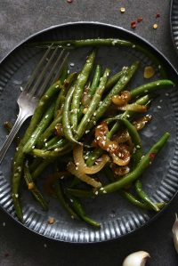 chinese garlic green beans featured image