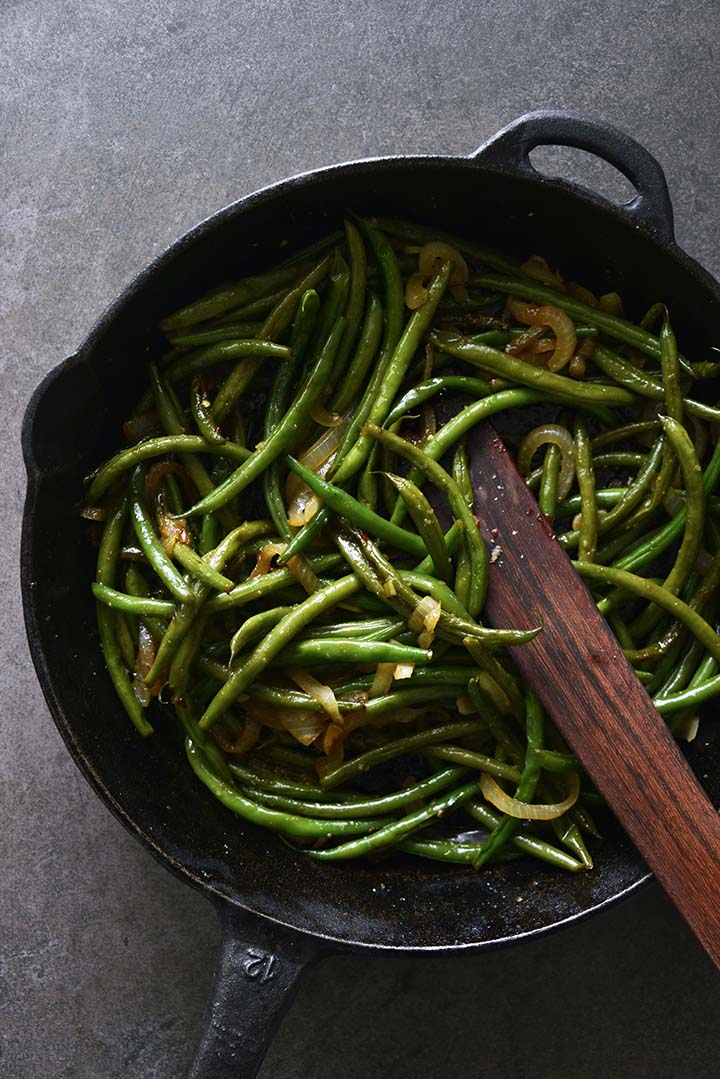 cooked green beans in skillet