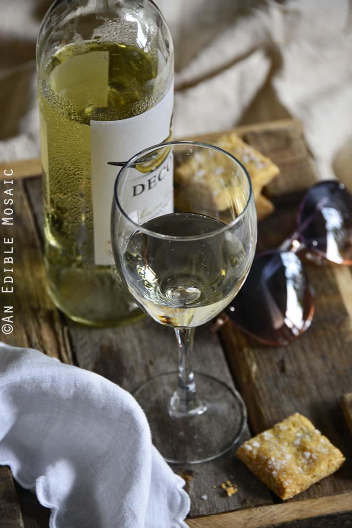 2016 Decoy Sonoma County Sauvignon Blanc and Savory Garlic-Parmesan Crackers