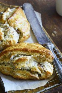 maple walnut scones featured image