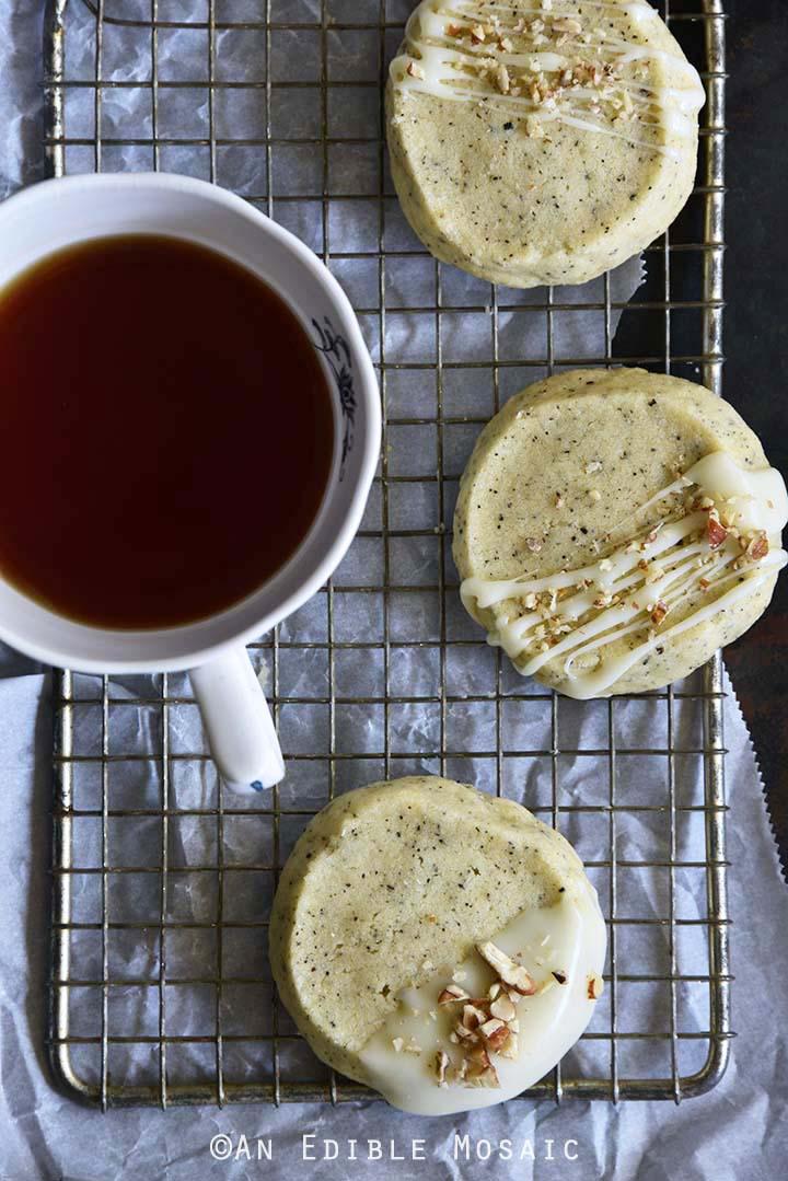 Chai-Spiced Vanilla Shortbread Cookies