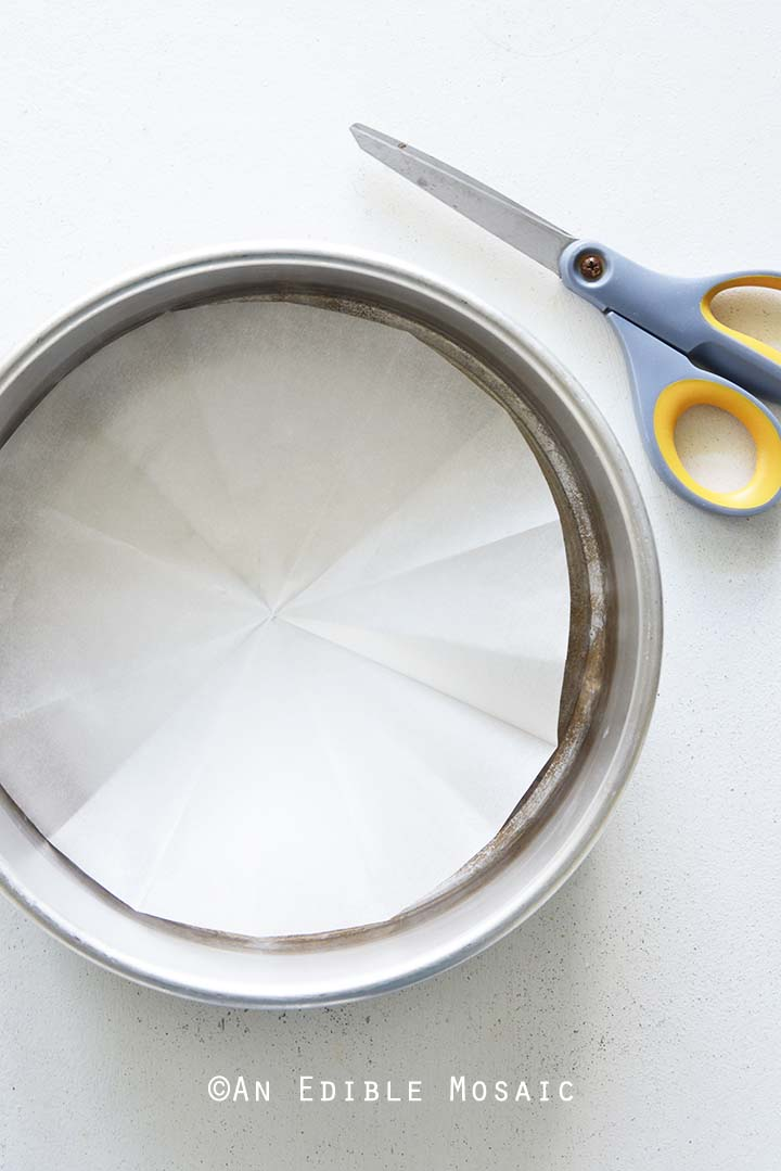 Lining Cake Pan with Parchment Paper
