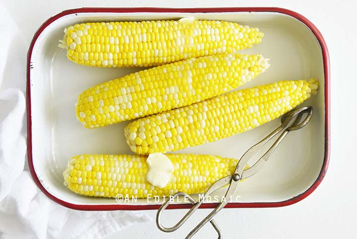 How to Cook Corn on the Cob in Microwave