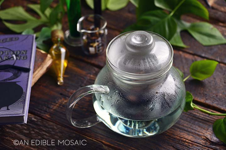 brewing butterly pea flower tea
