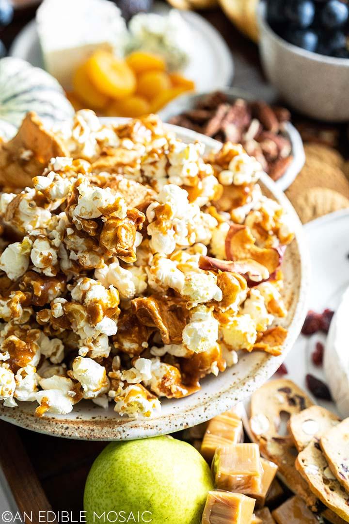 homemaade caramel popcorn