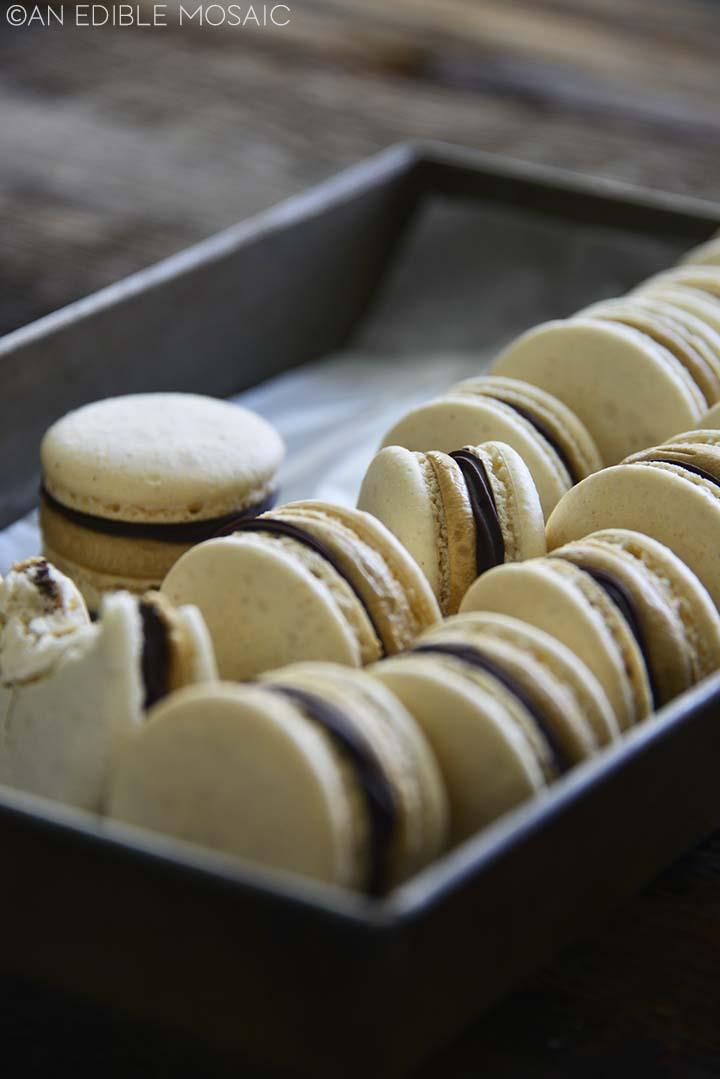 vanilla french macarons