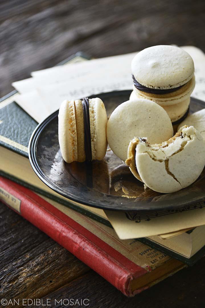 vanilla macarons recipe with chocolate ganache