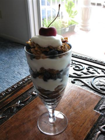 Fruit, Granola, & Yogurt Parfait