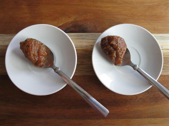 Which is the date purée and which is the apple butter?  (Scroll down to the bottom of this post for the answer.)
