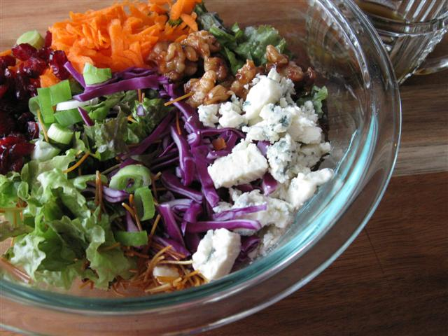Chopped salad recipes w blue cheese