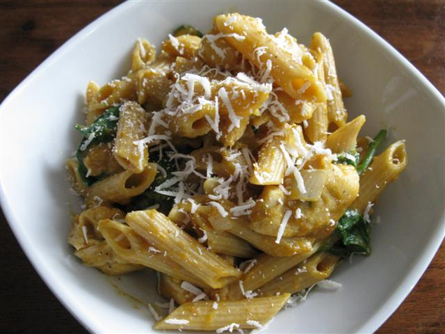 Pasta with Creamy Pumpkin-Sage Sauce, Spinach, and Chicken