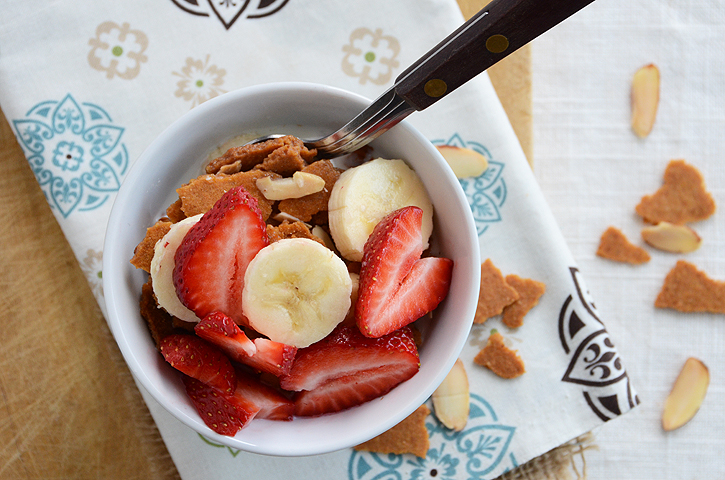 Homemade Hearty Almond-Vanilla Cereal {And a Big Bob's Red ...